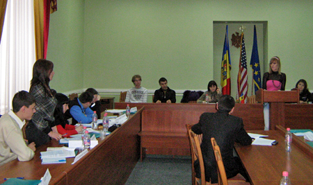 The March 12–14 interactive training featured the first Russian-language mock trial in Moldova.